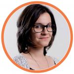 juliana, content marketing analyst